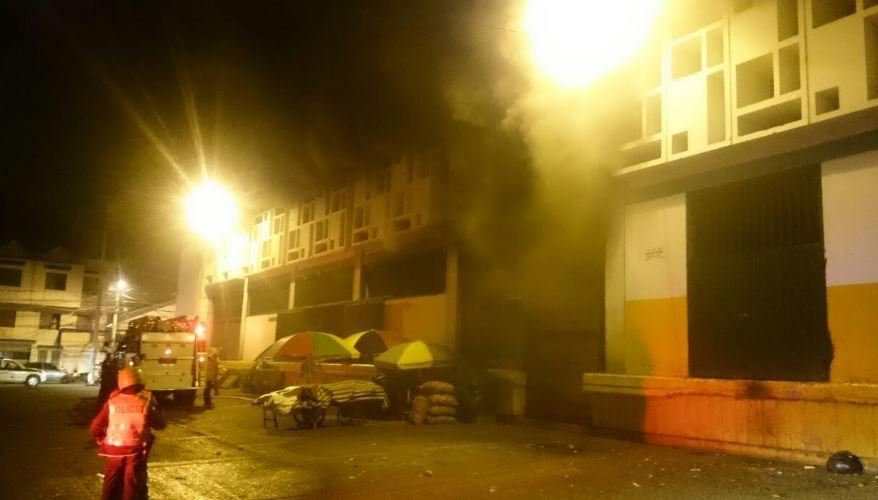 Fueron siete los locales Incendiados en galería de Buga