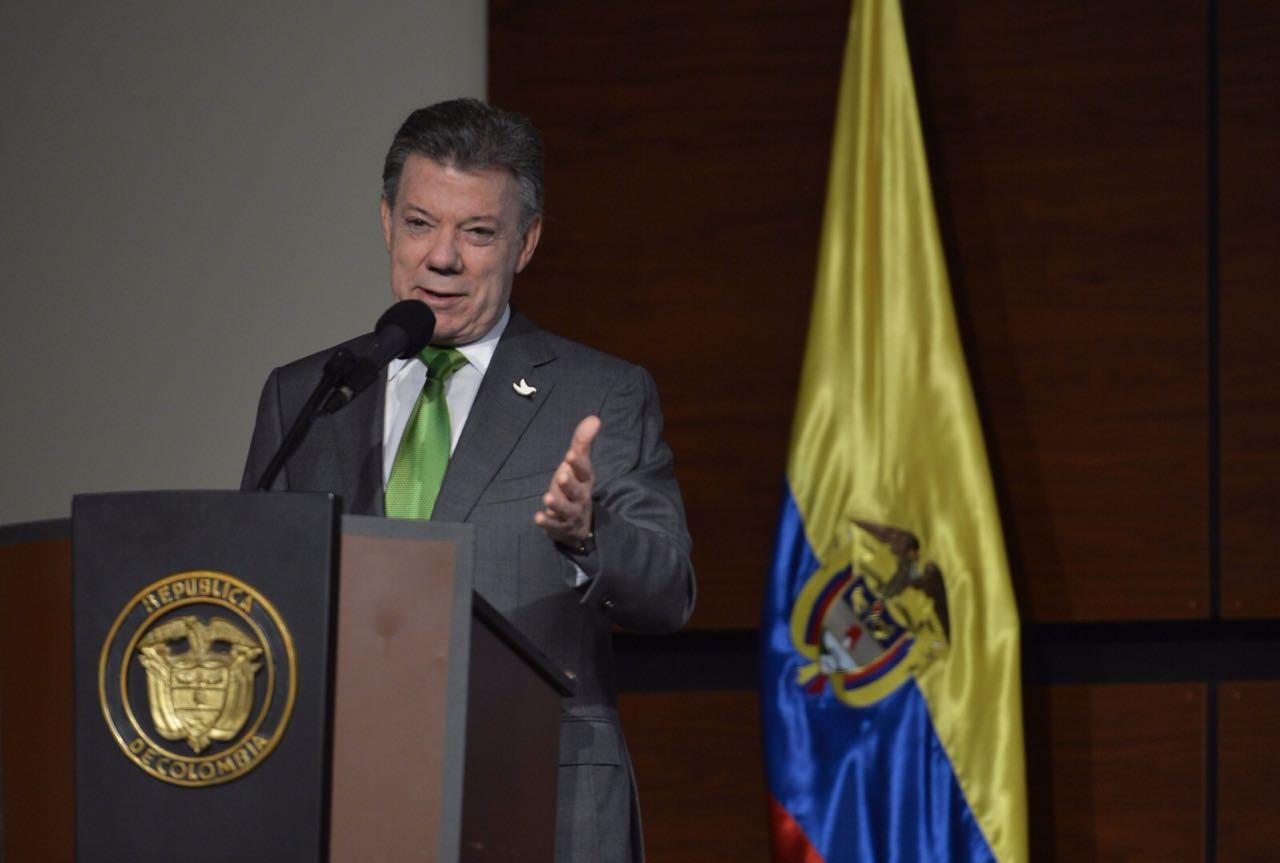 Santos dice plebiscito por la paz será voto más importante de los colombianos