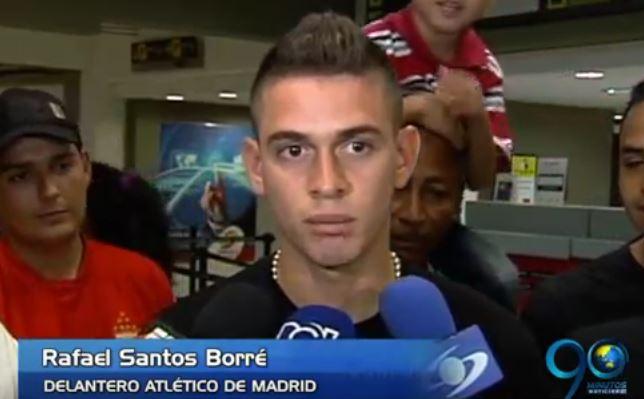 Rafael Santos Borré viajó a España para unirse al Atlético de Madrid