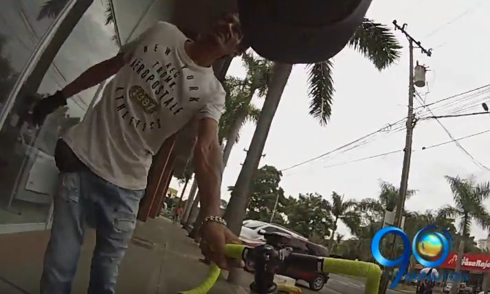 Video: Joven evitó el robo de su bicicleta en el sur de Cali