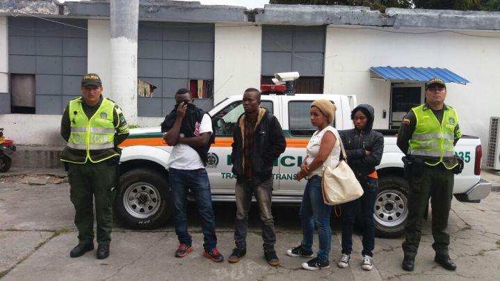 Inmigrantes haitianos fueron detenidos en la vía Cali-Andalucía