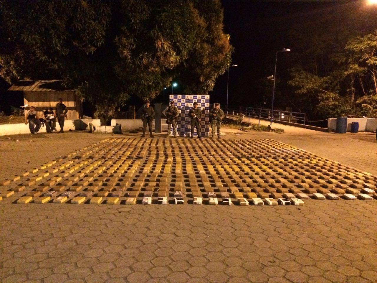 6 personas capturadas y 800 kilos de cocaína fueron incautados en Tumaco