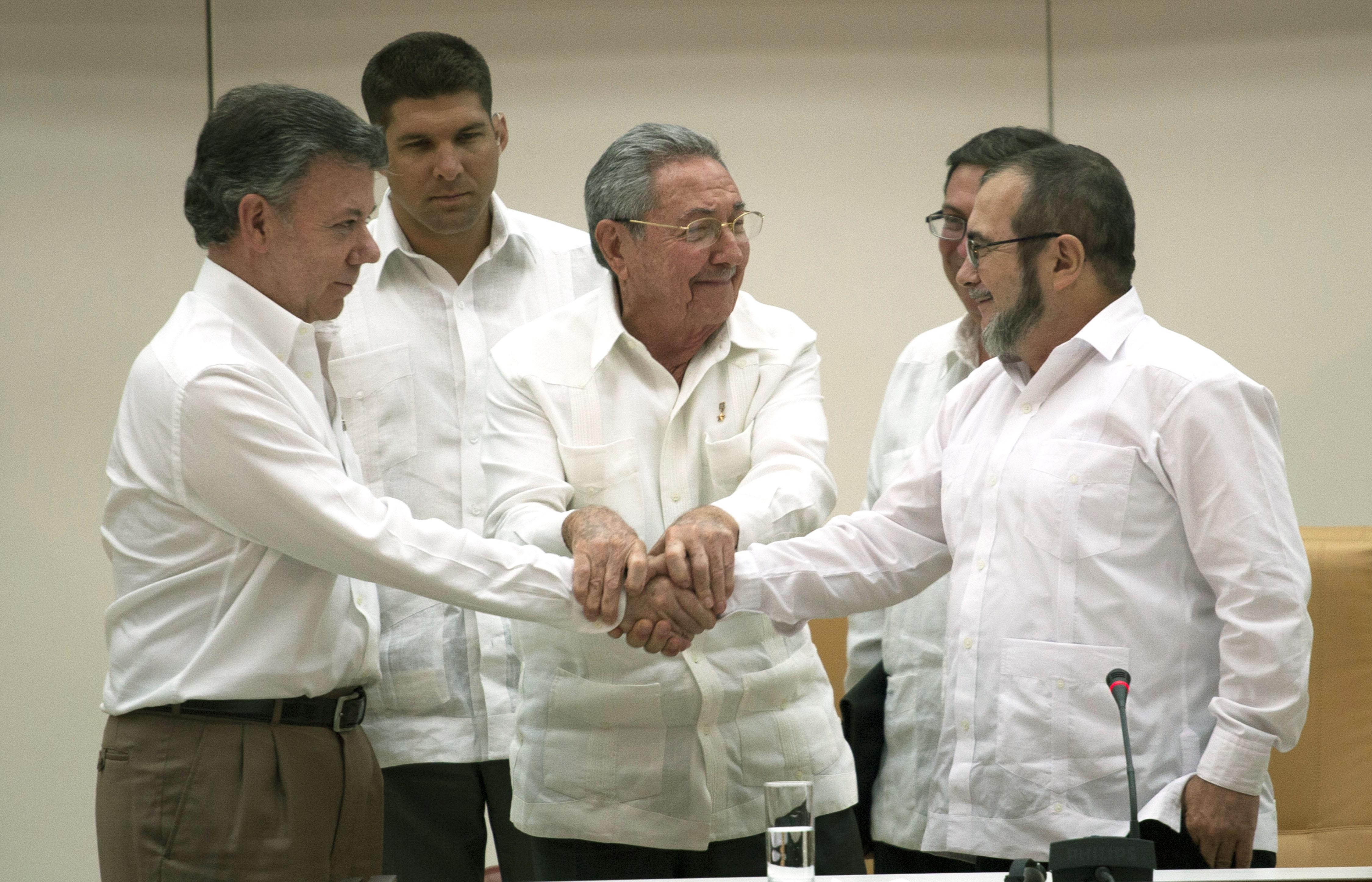 Gobierno y Farc discrepan sobre entrada en vigor de acuerdo de paz