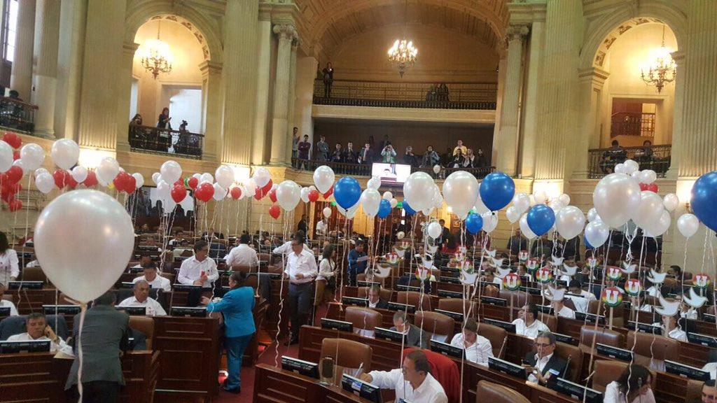 Congreso aprueba convocatoria de plebiscito de paz el 2 de octubre