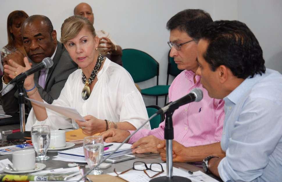 Gobernadora anunció apoyo financiero para proyectos en Buenaventura