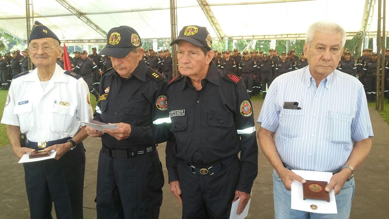 Con Homenaje a Bomberos, se conmemoran 60 años de explosión del 7 de agosto