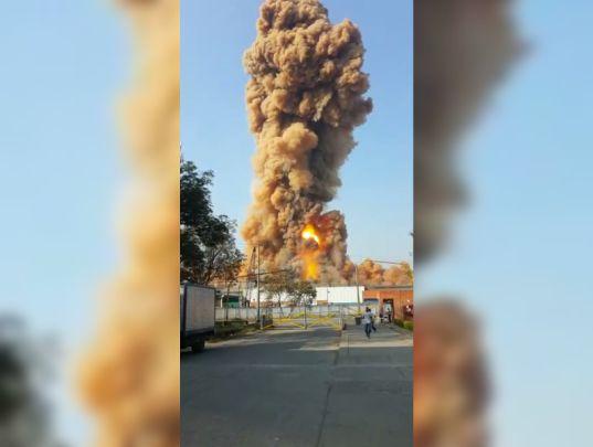 Controlado incendio en bodega de fundiciones en Acopi