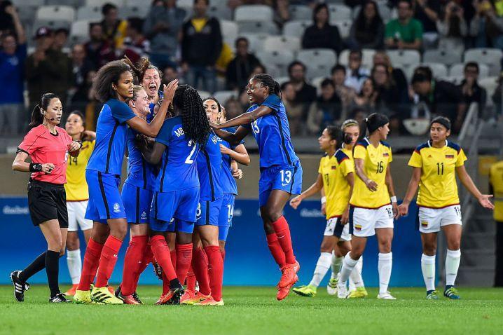 Las 'superpoderosas' no pudieron hacerle frente a Francia en su debut