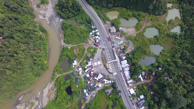 Dos mil hombres ejecutan operación contra la minería ilegal en vía a Buenaventura