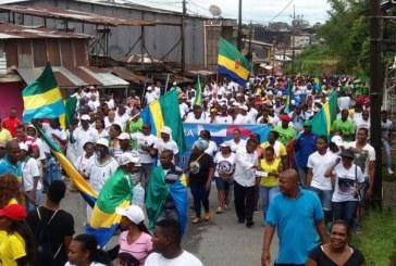 """Líderes de paro cívico adelantan """"gigantesca marcha"""" en Chocó"""