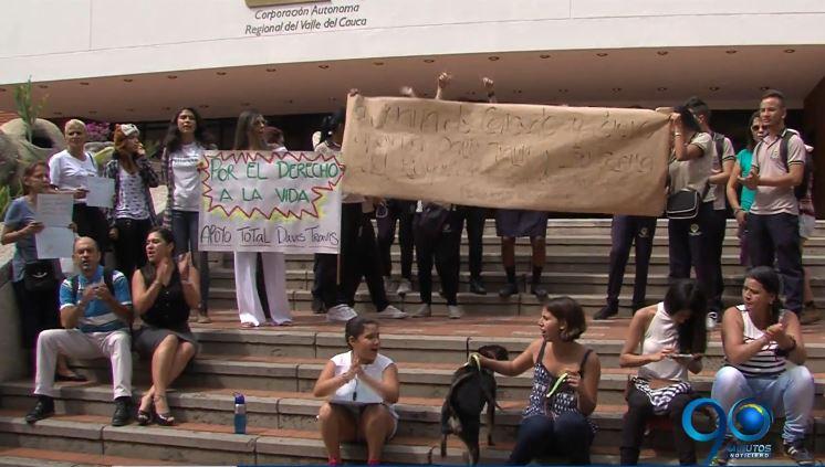 Animalistas realizaron plantón a favor de La Casita del Bosque