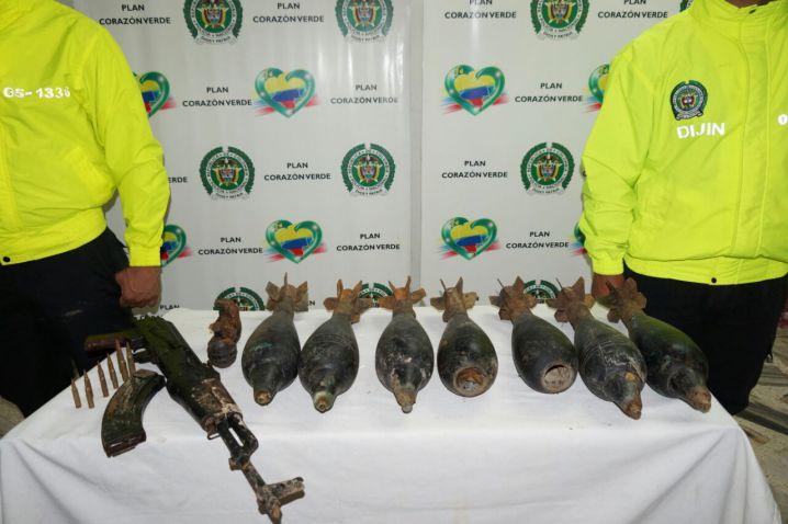Policía incautó material bélico de las Farc y el Clan del Golfo