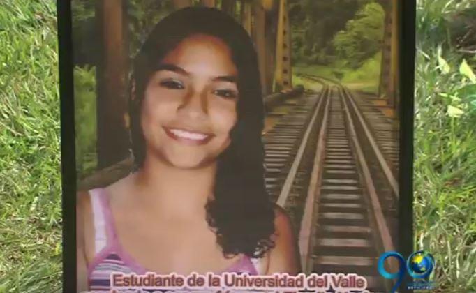 Nueve años después, madre de joven asesinada por error pide reparación