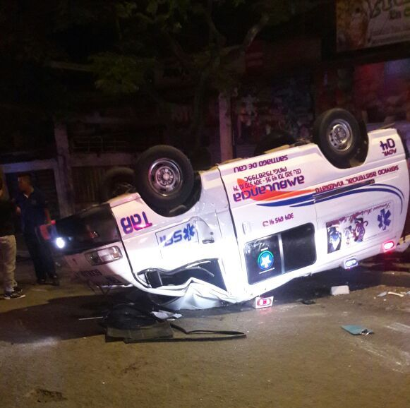 Motociclista muere al colisionar contra una ambulancia en Cali