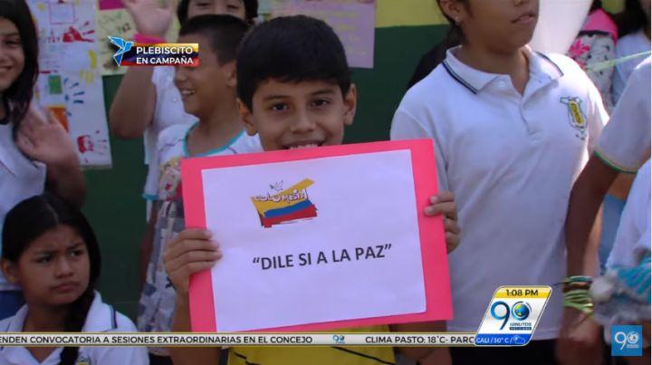 En colegio del nororiente de Cali, niños simularon votación del Plebiscito