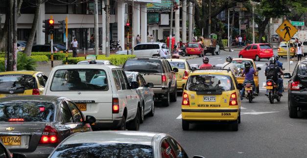 Cifra de vehículos exentos de pico y placa supera la inicial