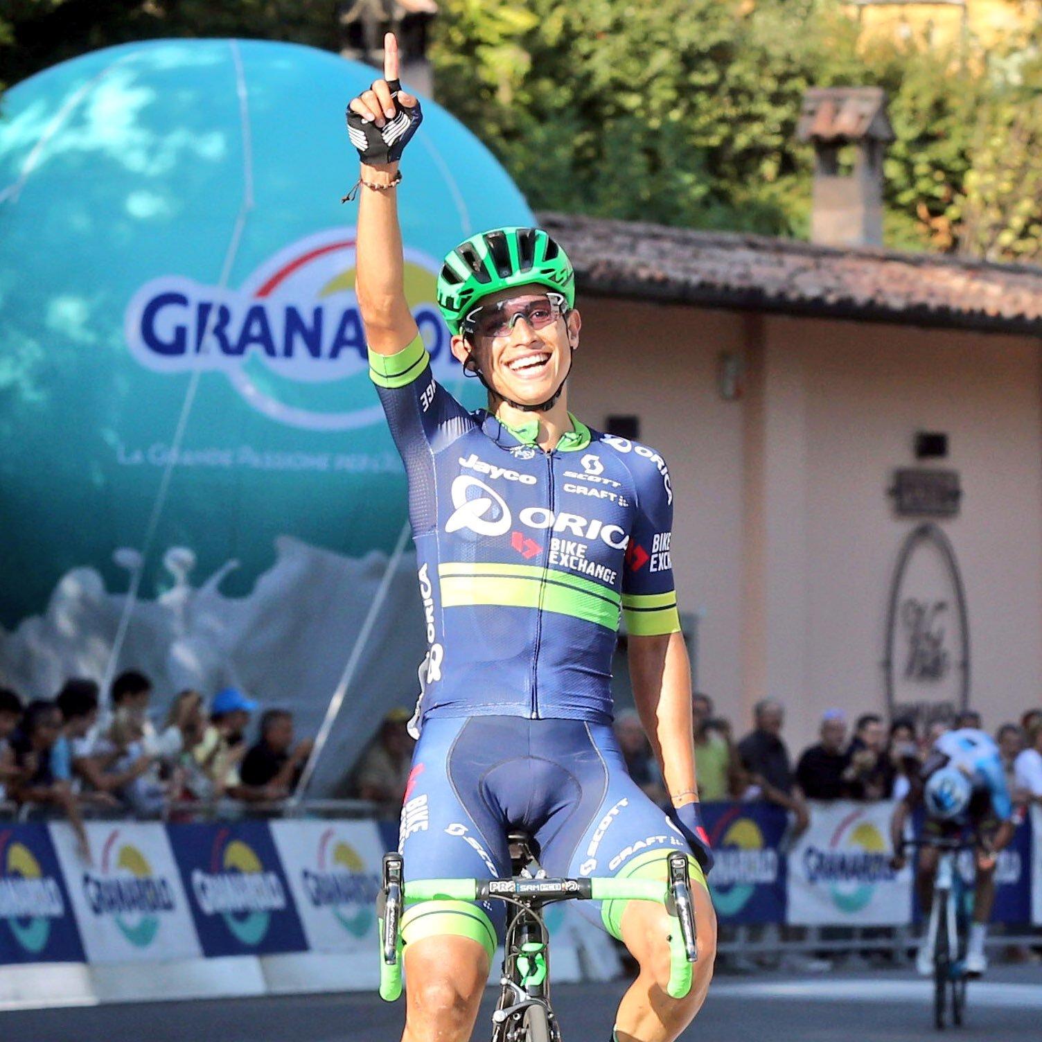El colombiano Esteban Chaves se coronó campeón del Giro de Emilia