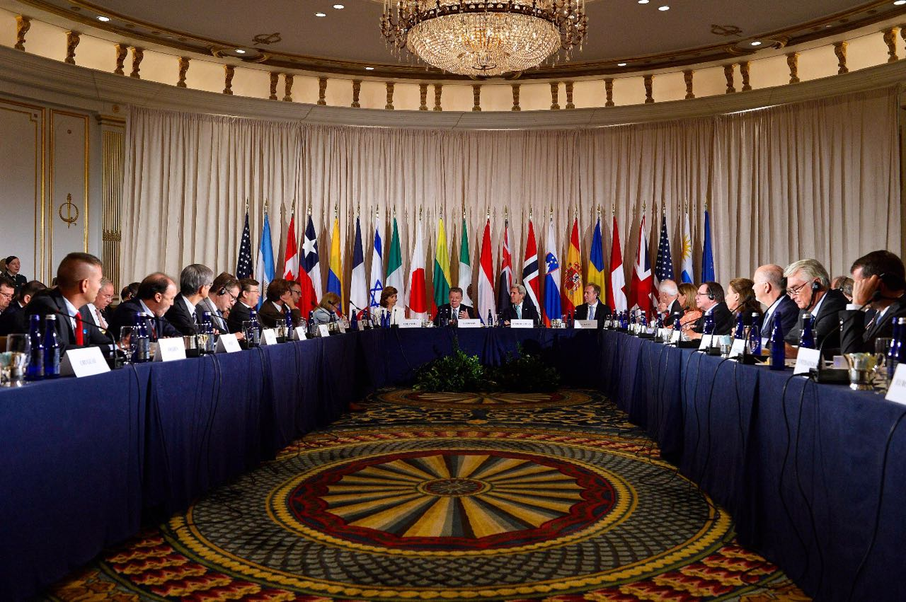 Comunidad Internacional arropa a Colombia para desminar el país en 5 años