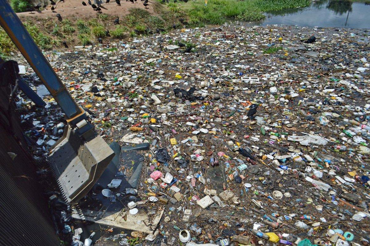 Intensifican limpieza de canales y sumideros por llegada de lluvias