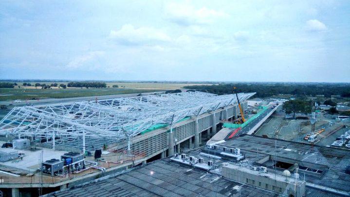 Gobernadora pide reinvertir en Valle excedentes del aeropuerto