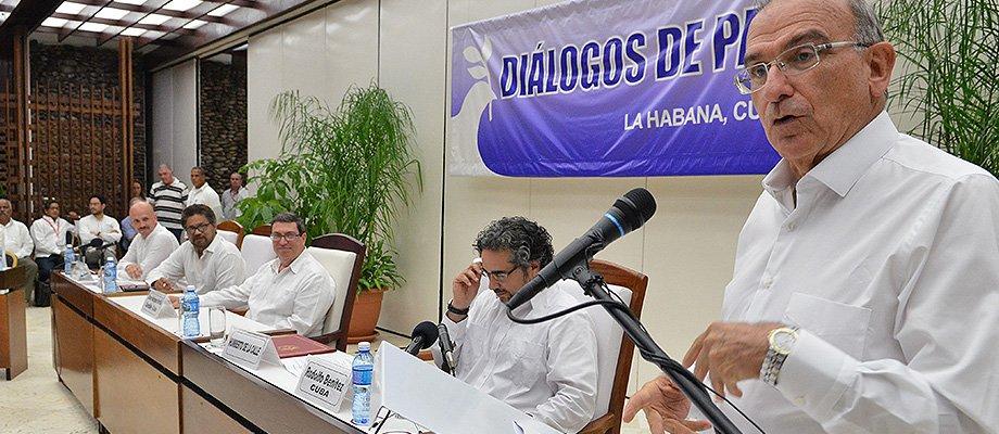 Humberto de la Calle rechaza anuncio de Farc y pide a colombianos proteger la paz