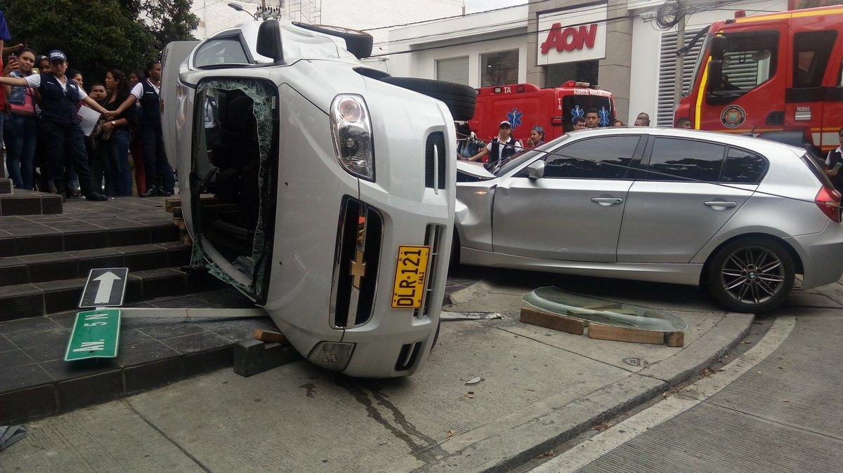 Fuerte accidente en barrio Versalles deja una persona lesionada