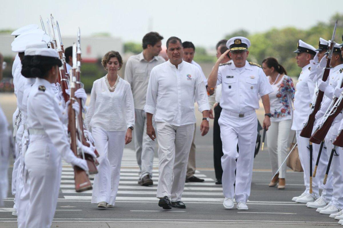 Correa cifra en 80 % reducción de gasto en frontera con Colombia tras la paz