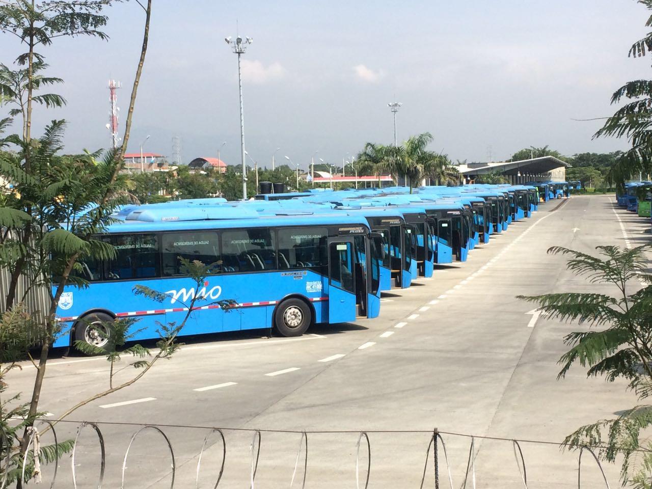 Unimetro sigue sin operar toda su flota, hoy solo salen 30 buses