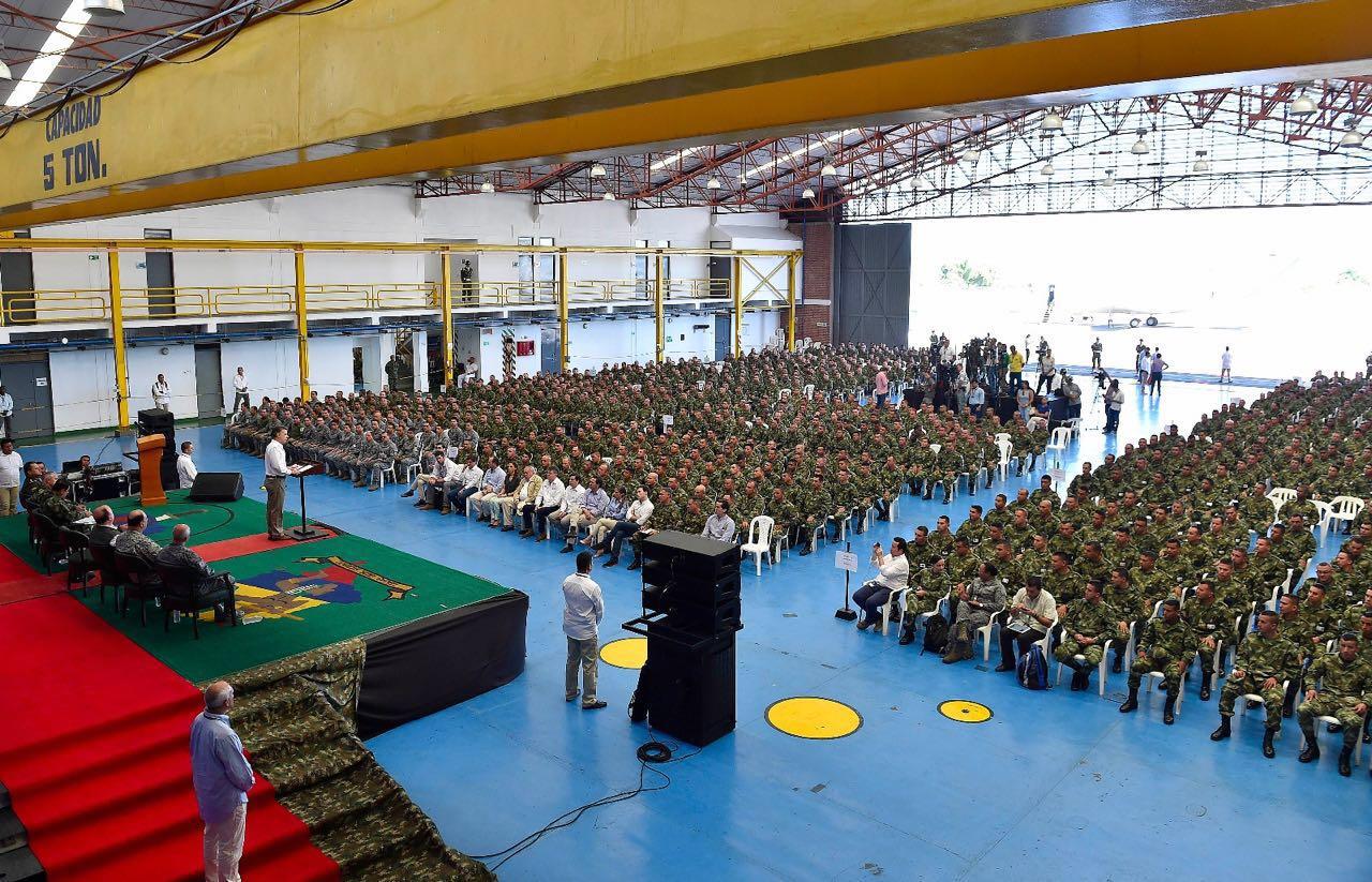 Jornada de paz de Colombia inició con homenaje de Santos a militares