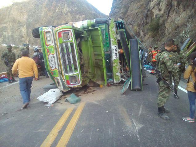 Un muerto y 26 heridos dejó accidente de 'chiva' cerca a Las Lajas, en Nariño
