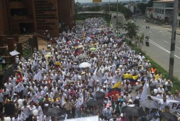 Diez mil caleños asistieron a la segunda marcha por la paz