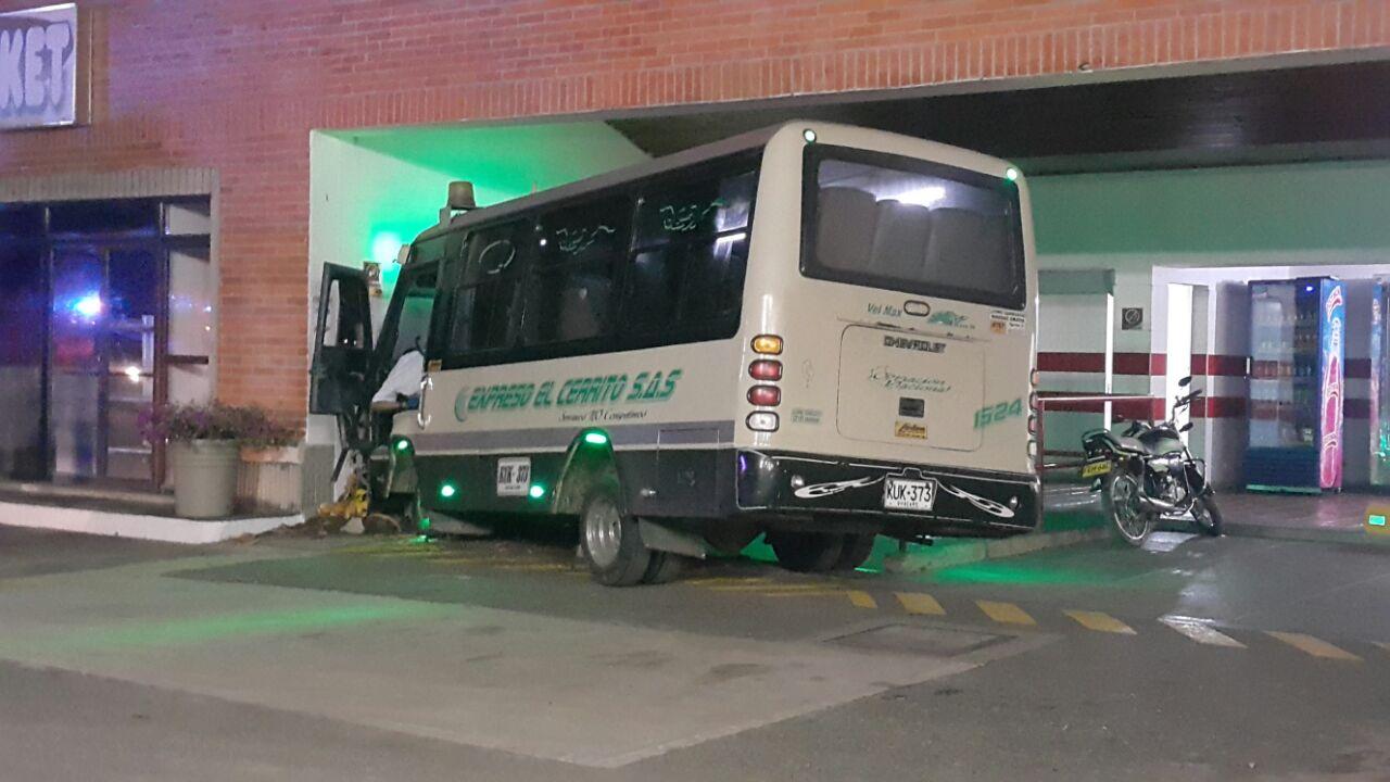 Muere conductor de bus intermunicipal en intento de robo