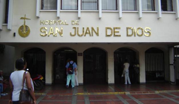 Atacan con ácido a 4 personas en Hospital San Juan de Dios