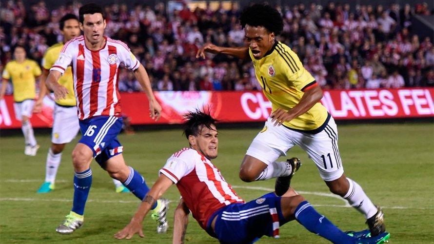 Colombia vence a Paraguay con gol de Cardona en agónico final