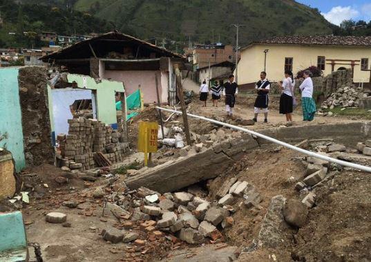 700 familias Inga están damnificadas por desplome de viviendas