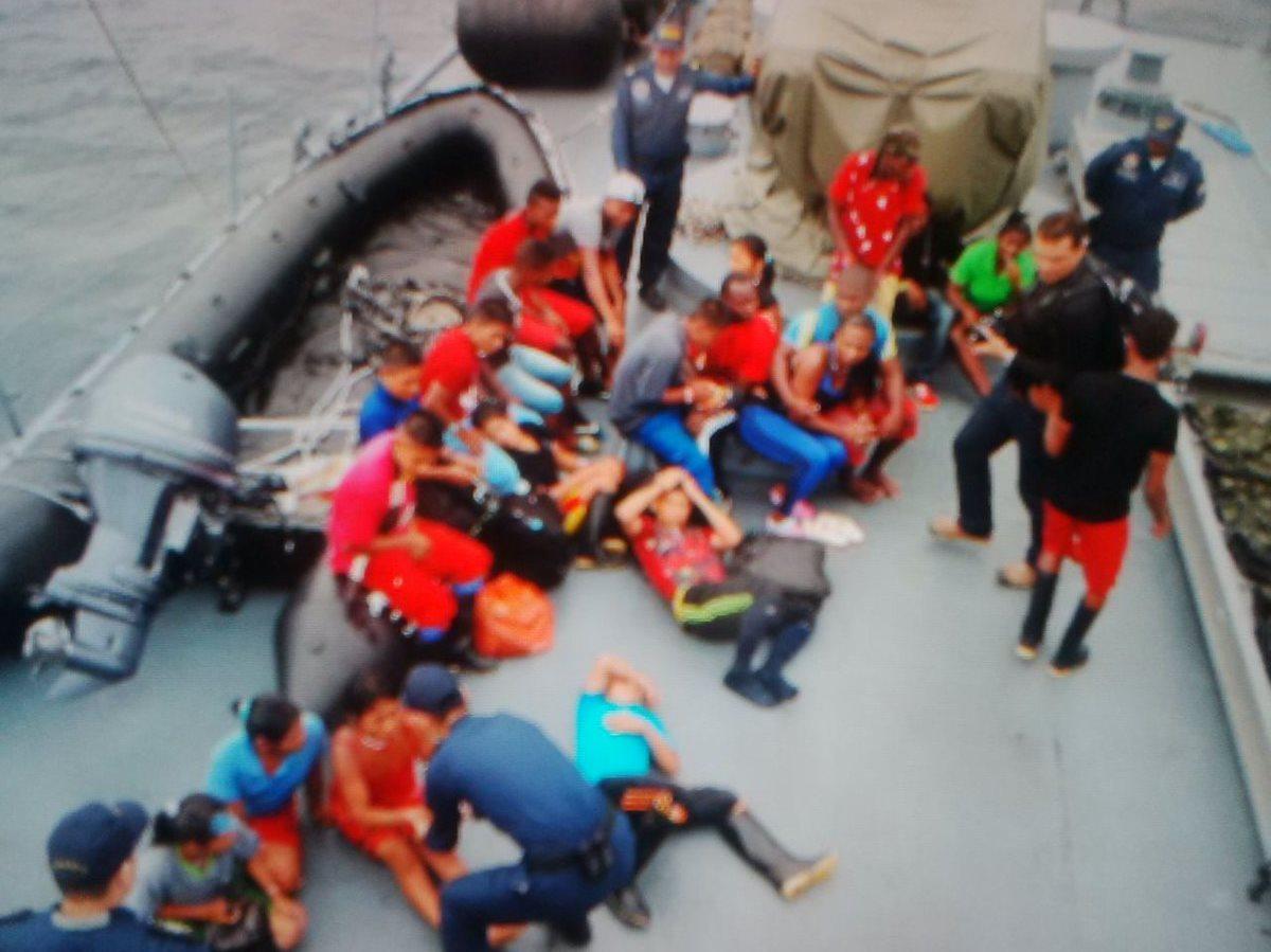 A Buenaventura llegaron 24 excombatientes del ELN