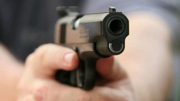 Investigan empleado de empresa de seguridad por doble homicidio