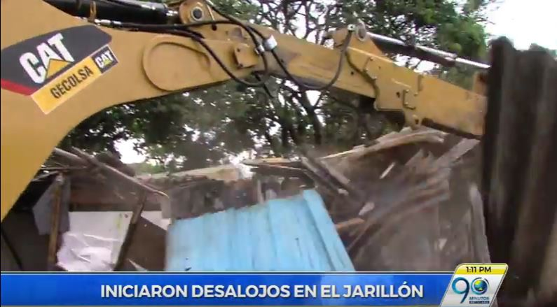Continúa desalojo de cerca de 200 familias asentadas en el Jarillón del Río Cauca
