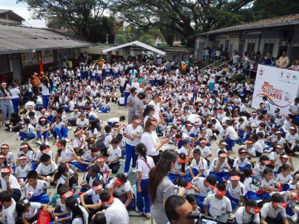 Más de 60 mil niños participaron del 'cepillatón' de Cali