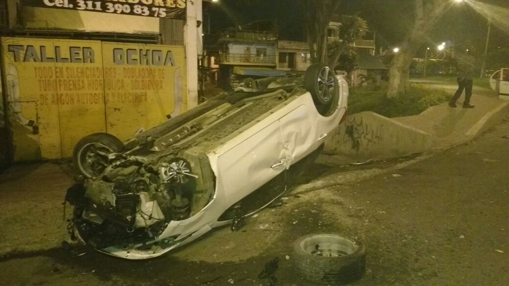 Otra persona lesionada deja volcamiento de vehículo en el suroriente de Cali