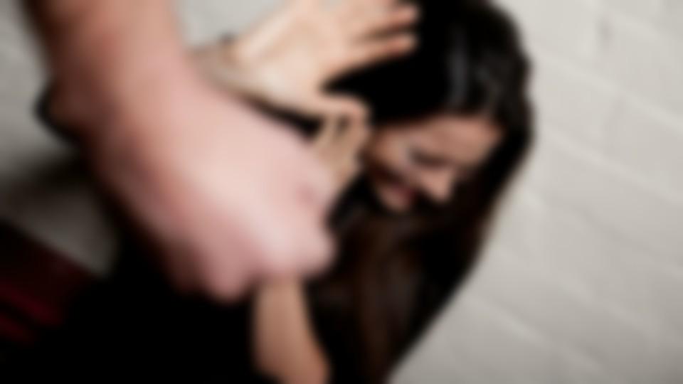 Esposa de policía de Palmira denuncia presunta agresión de su pareja