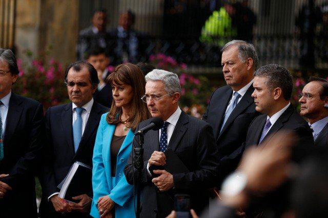 The New York Times pide a Uribe que deje de bloquear la paz en Colombia
