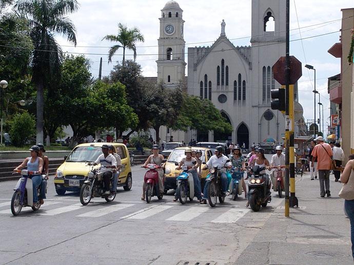 Restringen circulación de motos en Tuluá los fines de semana