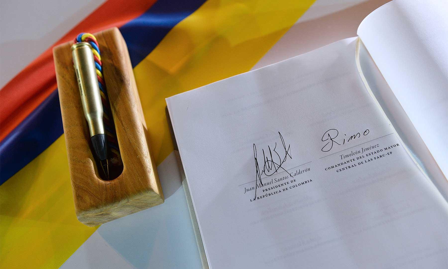 Uribismo pregunta a Santos si está dispuesto a cambiar puntos de acuerdo paz