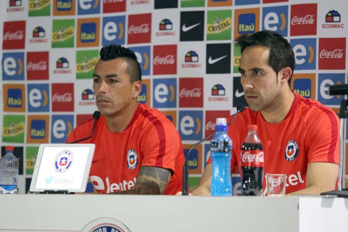 """Claudio Bravo: """"Falcao es bueno, pero nos preocupa todo el equipo colombiano"""""""