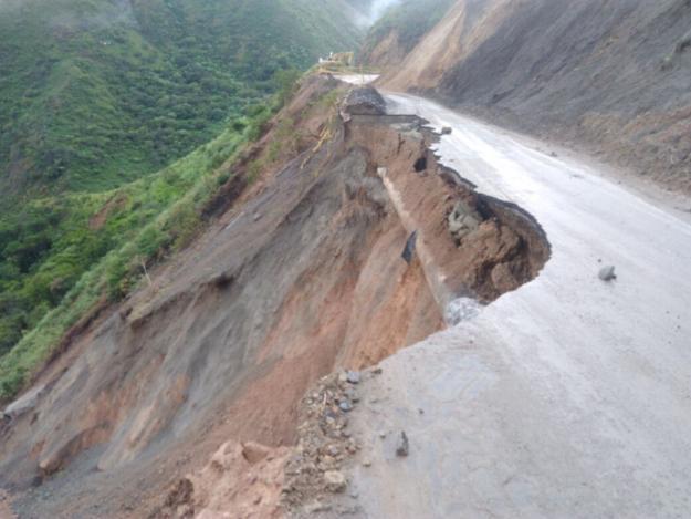 Siguen sin agua varios municipios del Valle tras derrumbe