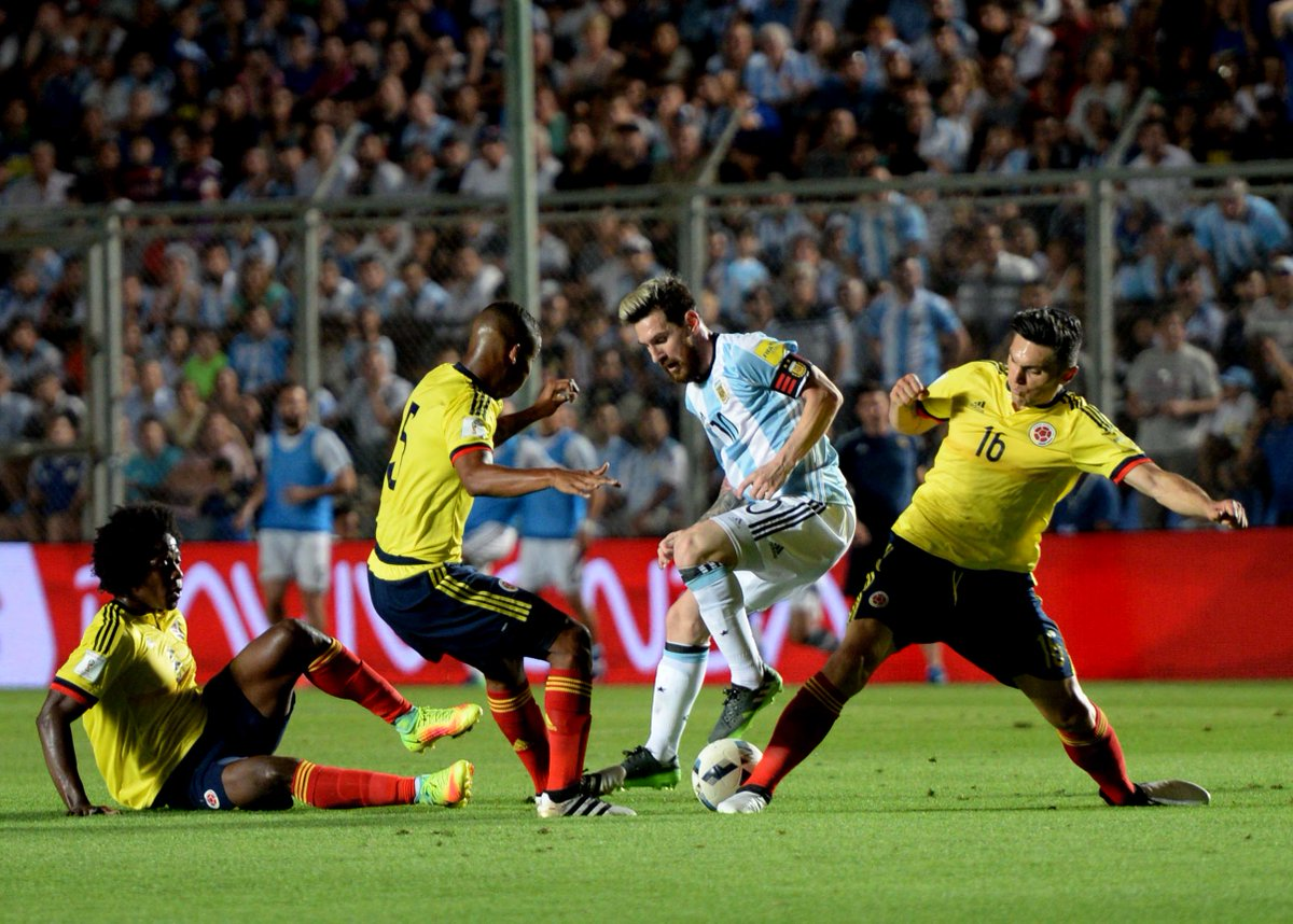 Messi salva a Argentina con gol y dos 'pasegol' que condenan a Colombia