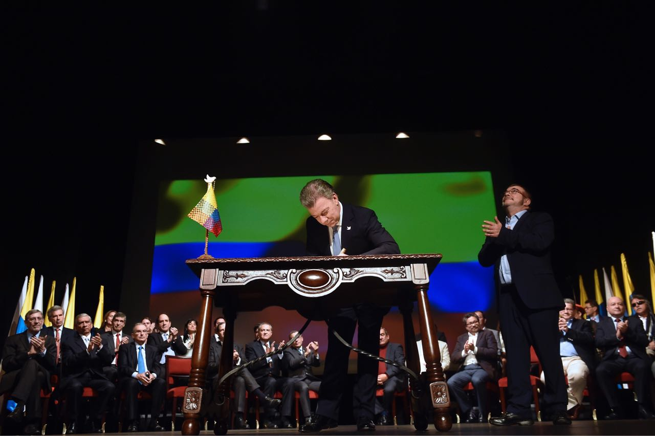 Santos dice que próxima semana comenzará desmovilización de las Farc