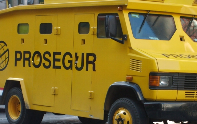 A $4.500 millones asciende la suma robada a carro de valores en vía a Cartago