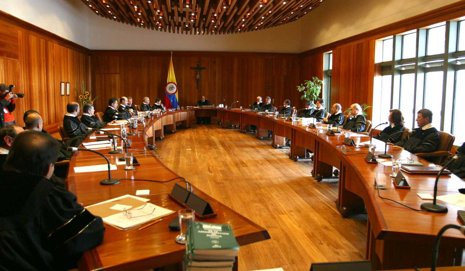 Corte Constitucional aprueba 'fast track' para legislar el acuerdo de paz
